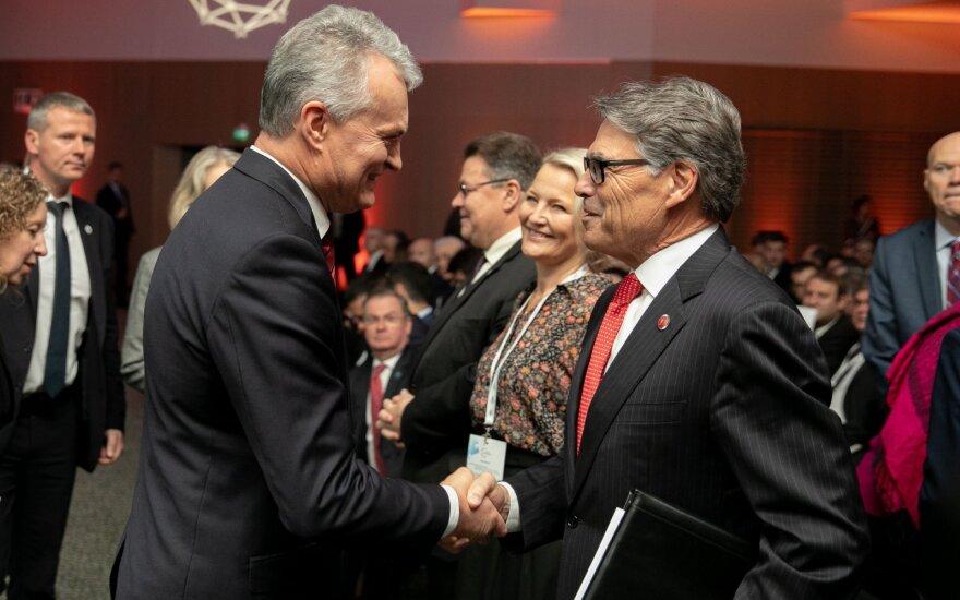 Gitanas Nausėda, Rick Perry