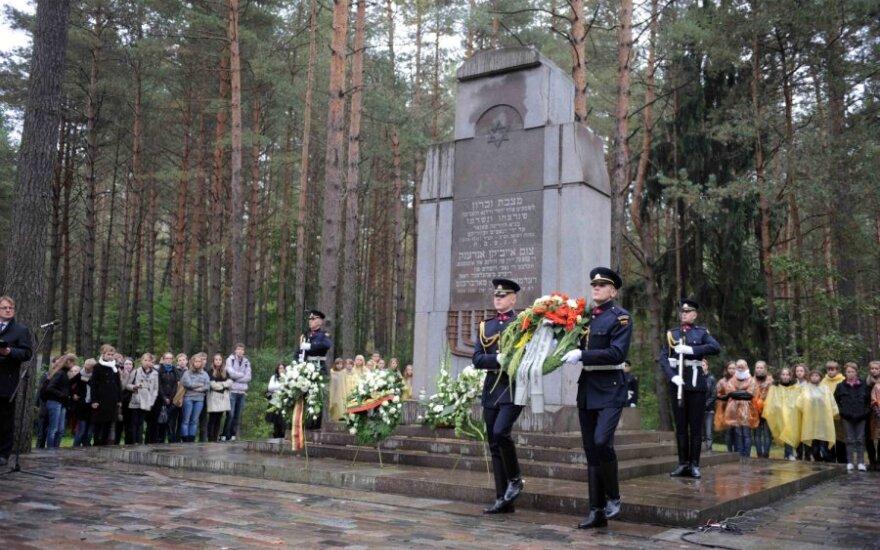 Соцмин Литвы: на возможные пенсии спасителей евреев нет денег