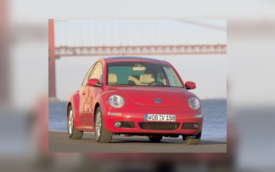 Новый Volkswagen Beetle засняли во время тестов