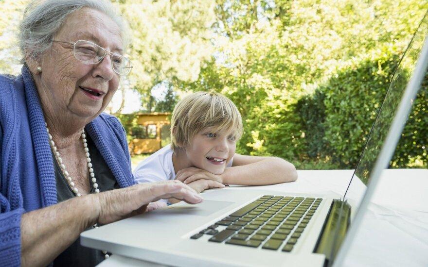 9 mln w Polsce dorosłych po pięćdziesiątce nie korzysta z internetu. 40 mln zł na edukację