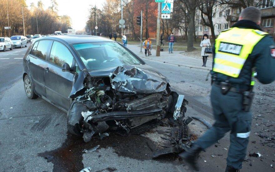 В Вильнюсе в ДТП с участием двух VW пострадал мужчина