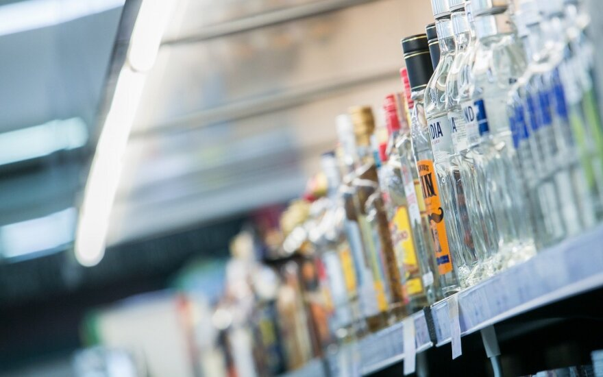 Растущие цены на алкоголь покупателей пока не пугают