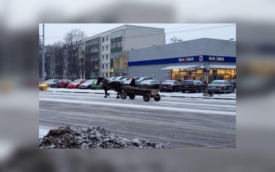 Vadeliotojas Vilniuje, Žirmūnuose, Žirmūnų gatvė, sausio 10 d. rytas / V. Vorobjovo nuotr.