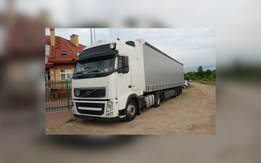 Skradziona ciężarówka z naczepą. Foto: strazgraniczna.pl