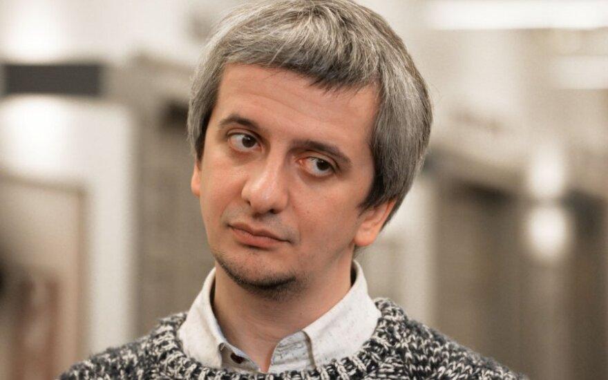 Богомолов предложил запретить половину русских сказок