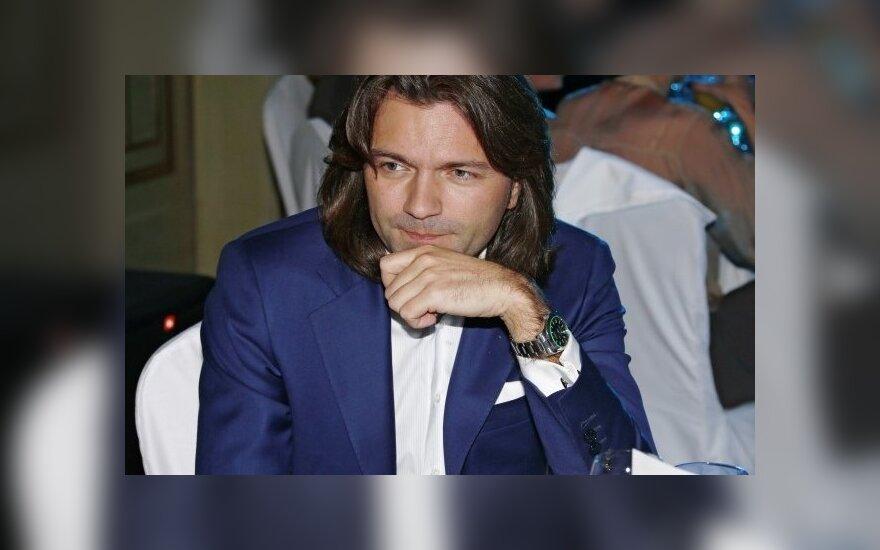 Певец Дмитрий Маликов сообщил о рождении сына
