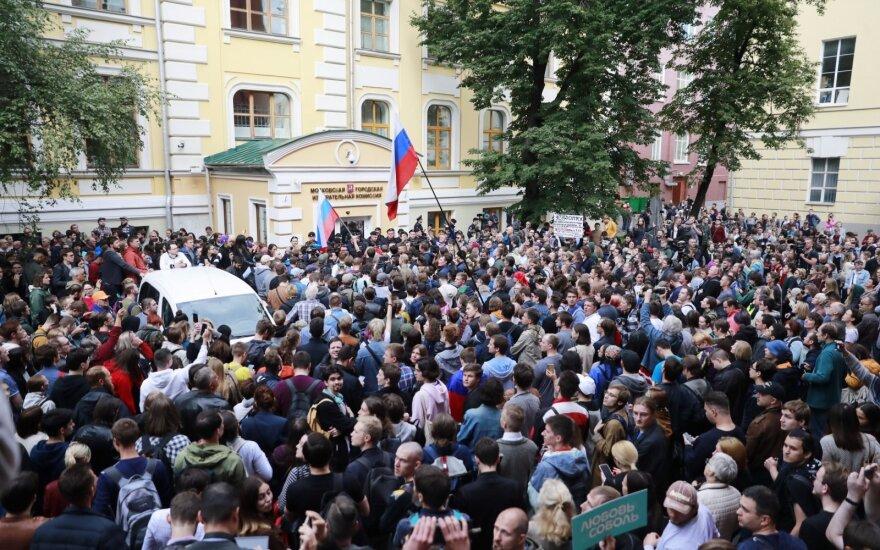 Maskvoje vyksta opozicijos atstovų, kuriems neleidžiama dalyvauti rinkimuose, protestas