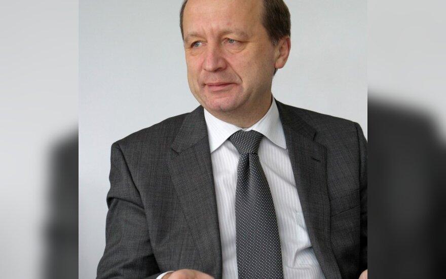 А.Кубилюс: не стоит удивляться надбавкам советникам