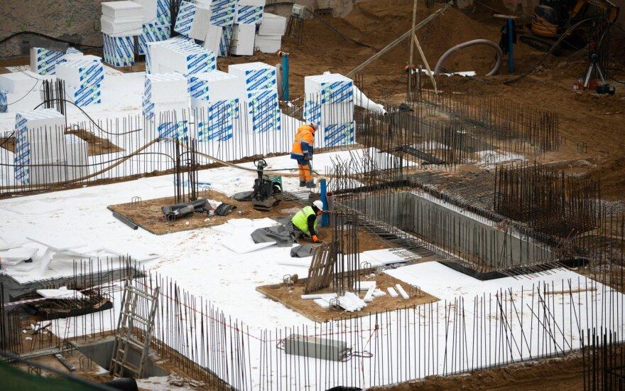 В Беларуси повышают зарплаты строителей, чтобы сдержать отток кадров за границу