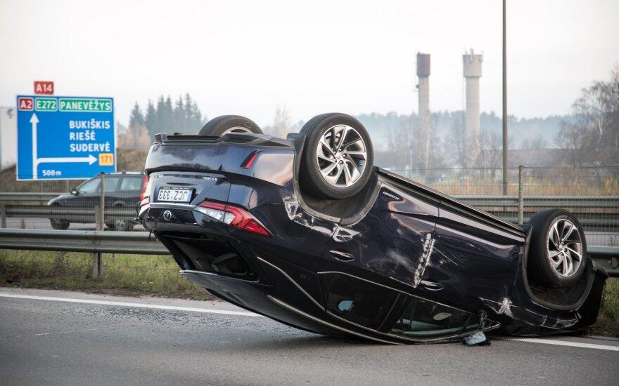 Два водителя под Вильнюсом не поделили дорогу