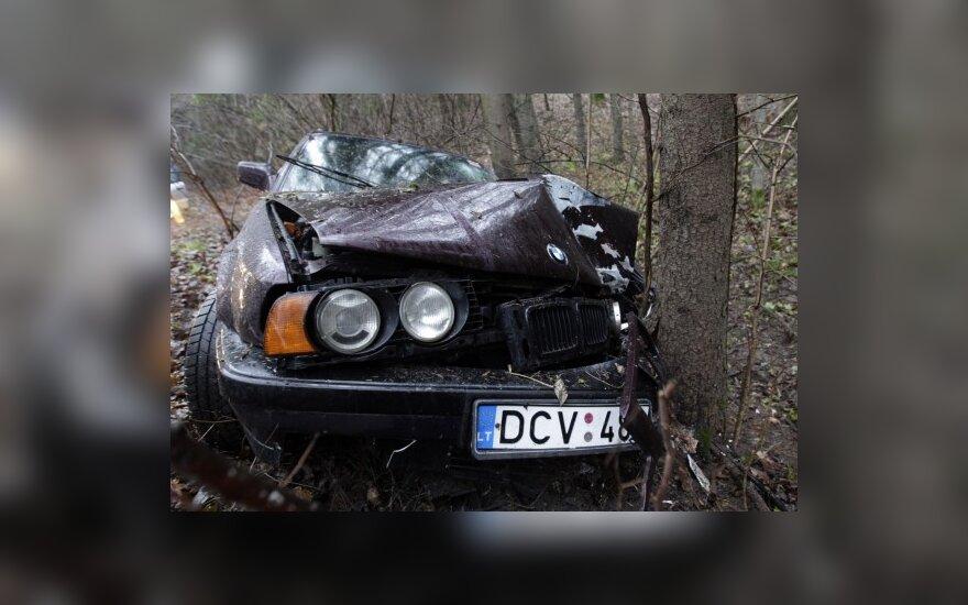 Водитель бежал с места ДТП, бросив свой BMW