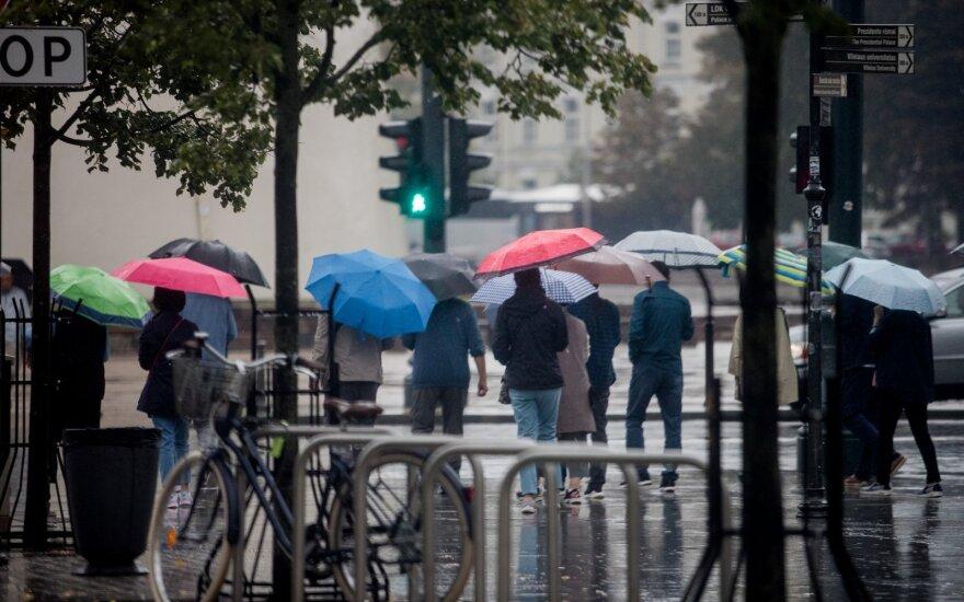 Возвращается летнее тепло, однако по-прежнему будут идти дожди
