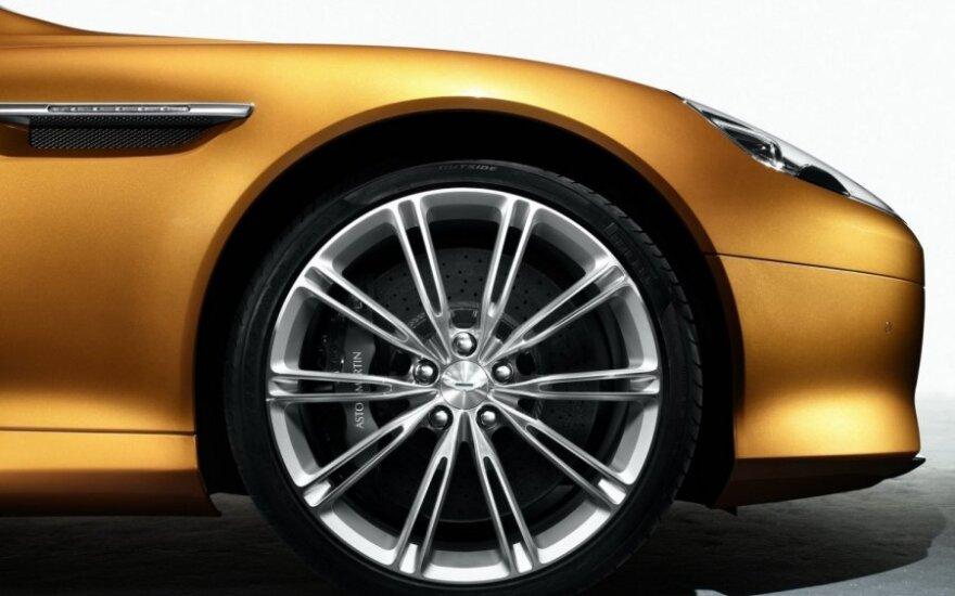 Aston Martin вывел в свет преемника V12 Vantage