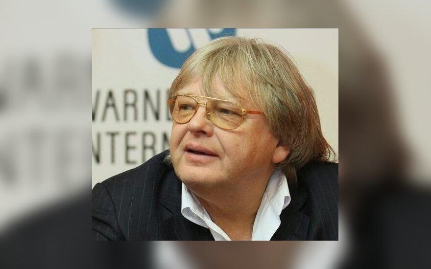 Певца Юрия Антонова прооперировали