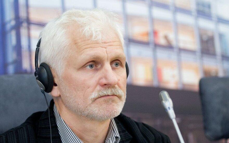 Треть жителей Литвы склонны призвать министров уйти в отставку из-за истории с Беляцким
