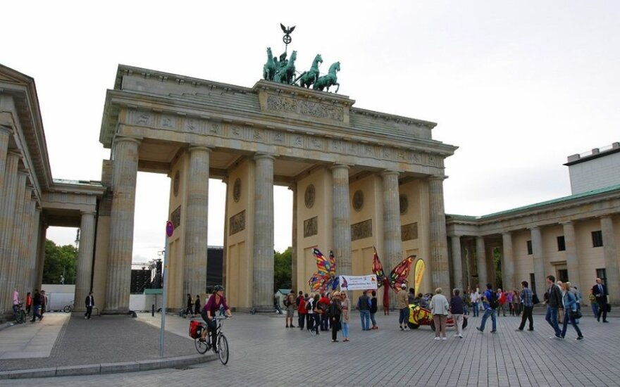 Почти 300 тысяч жителей Германии регулярно ездят на работу за границу
