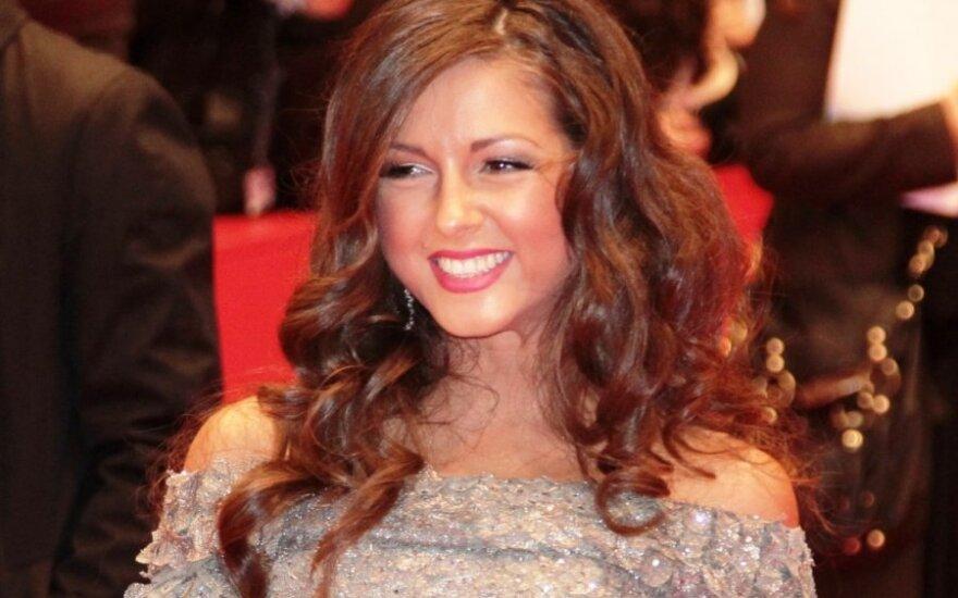 Певица Нюша родила дочь в США