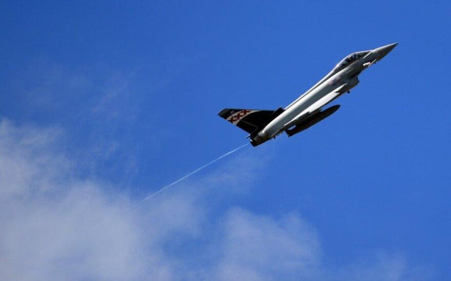 В Эстонии испанский истребитель произвел по ошибке запуск боевой ракеты. Ракету разыскивают