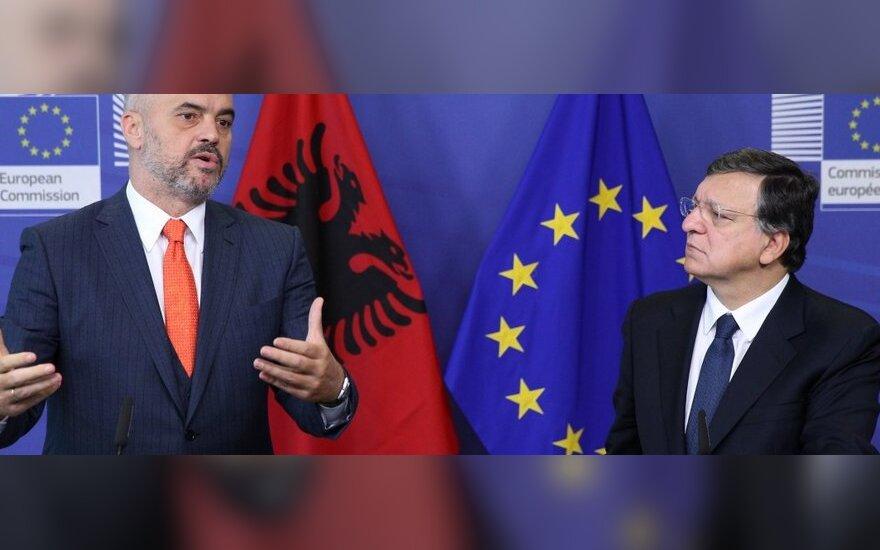Albania odmówiła zlikwidowania arsenałów broni chemicznej z Syrii