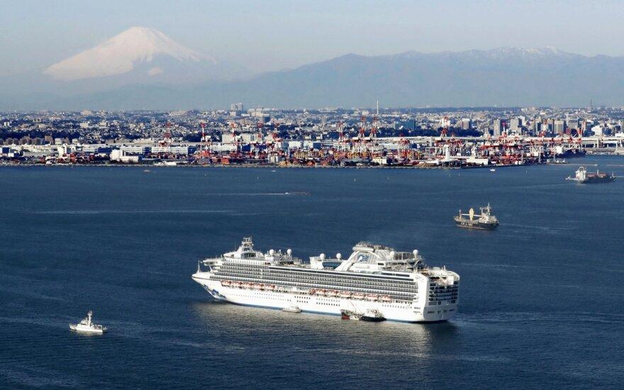 10 человек заразились коронавирусом на круизном лайнере