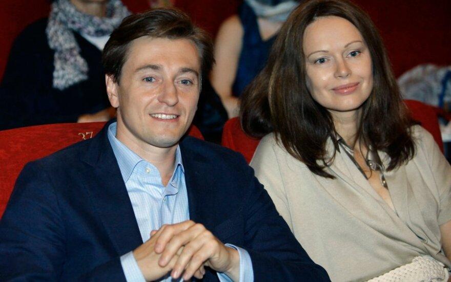 ВИДЕО: Сергей Безруков озабочен обилием своих клонов