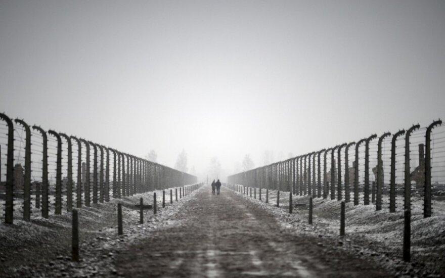 ФОТО, ВИДЕО: в Instagram появился профиль погибшей в годы Холокоста девочки