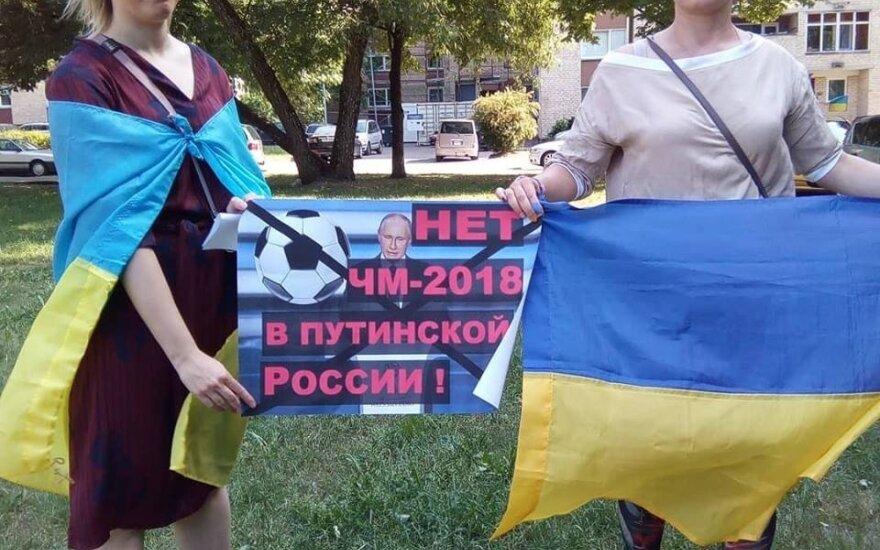 У посольства России в Вильнюсе прошла акция в поддержку Олега Сенцова