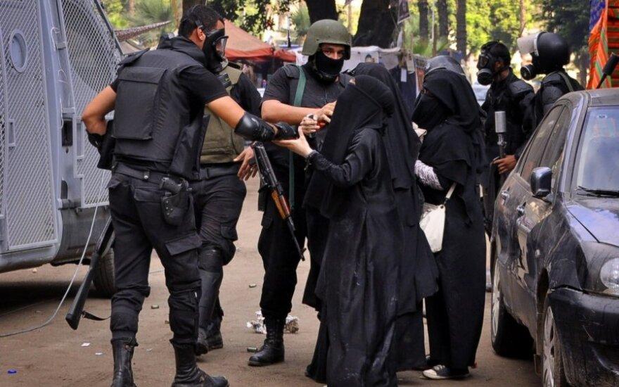 Egipto policija ėmė vaikyti M. Mursi šalininkus