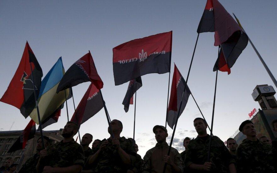 """""""Правый сектор"""" пообещал защитить Лукашенко, если он порвет с Россией"""