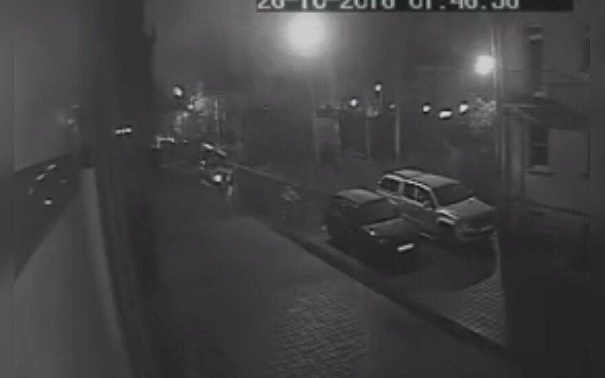 """Опубликовано видео попытки поджога """"фабрики троллей"""" в Петербурге"""