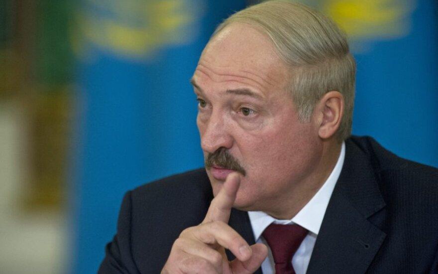 Лукашенко: старший сын хочет стать президентом, это ближе к истине