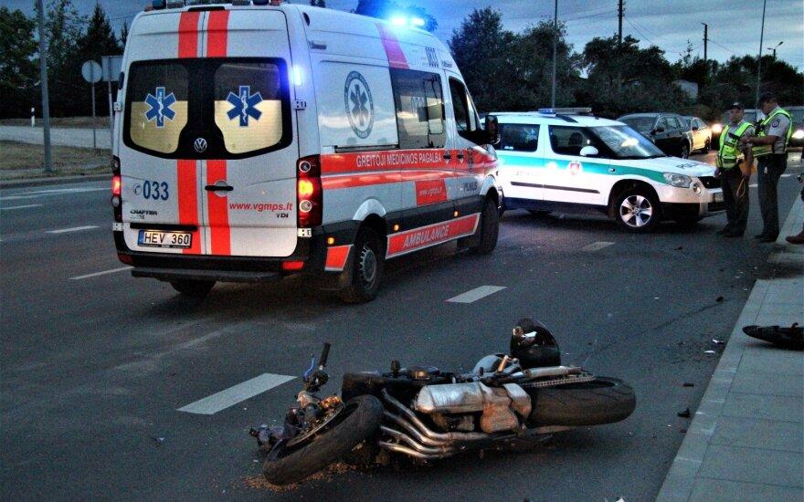 В Вильнюсе мотоциклист врезался в автомобиль
