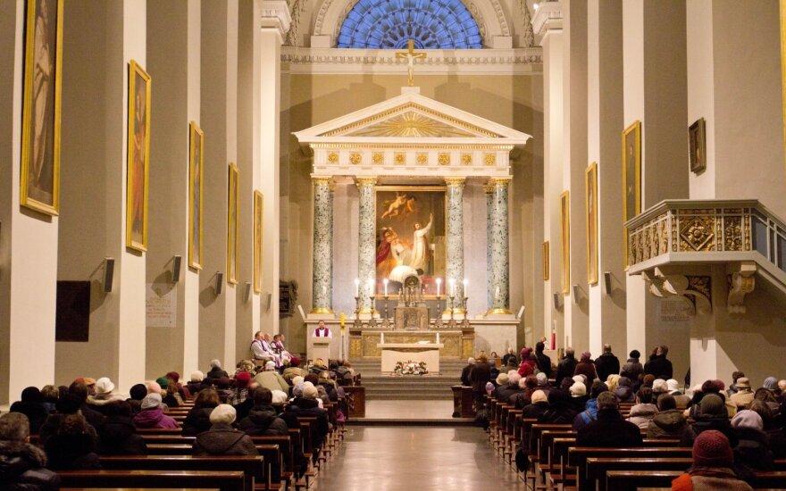 В Литве разрешили возобновить воскресные службы в присутствии верующих