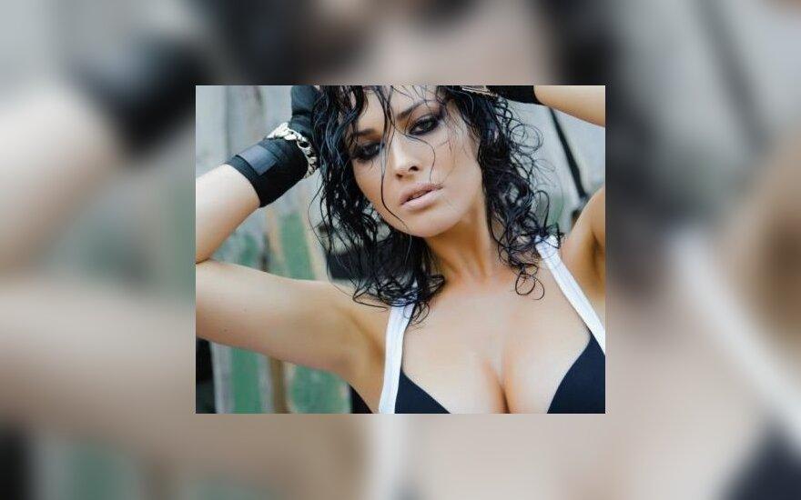 Даша Астафьева показала свое откровенное фото топлес