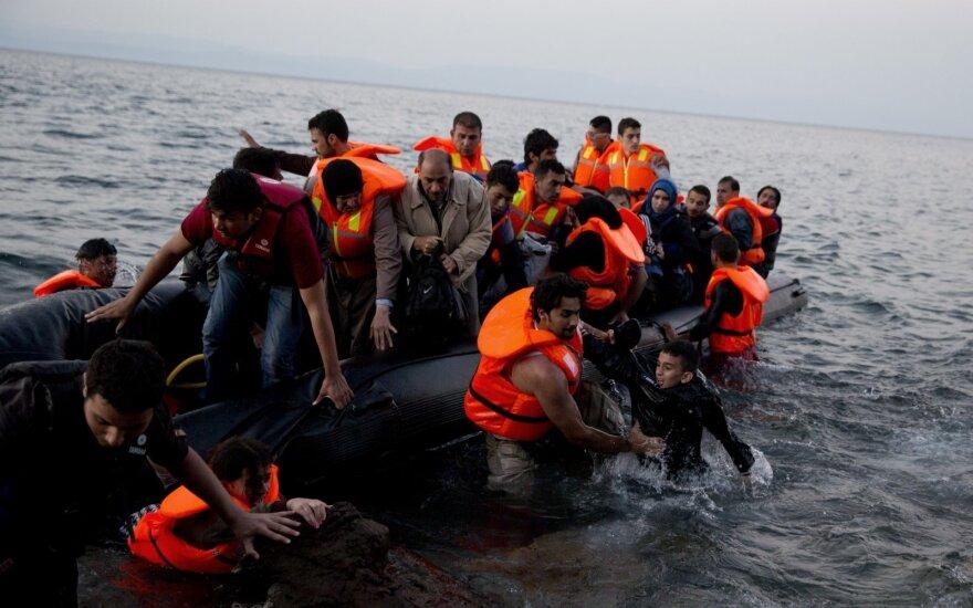 В Средиземном море затонула лодка с 400 мигрантами