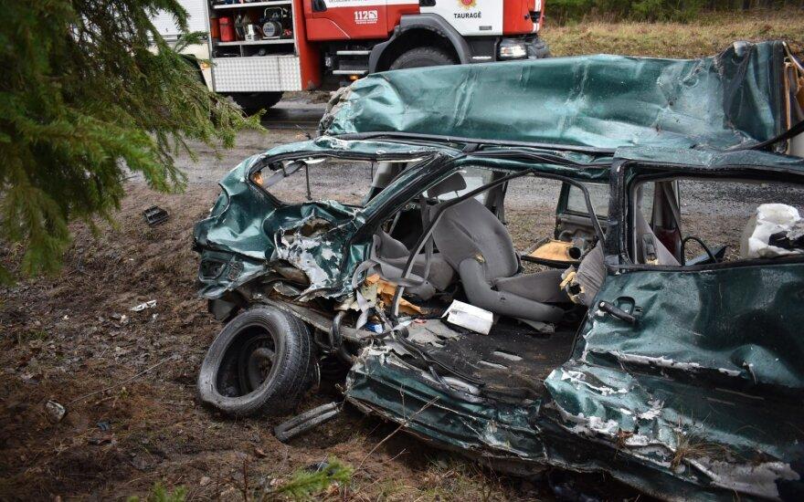 Трагическое ДТП в Таурагском районе: погибла водитель и ее дочь