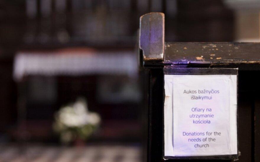 В Биржайском районе пьяный мужчина похитил пожертвования на костел