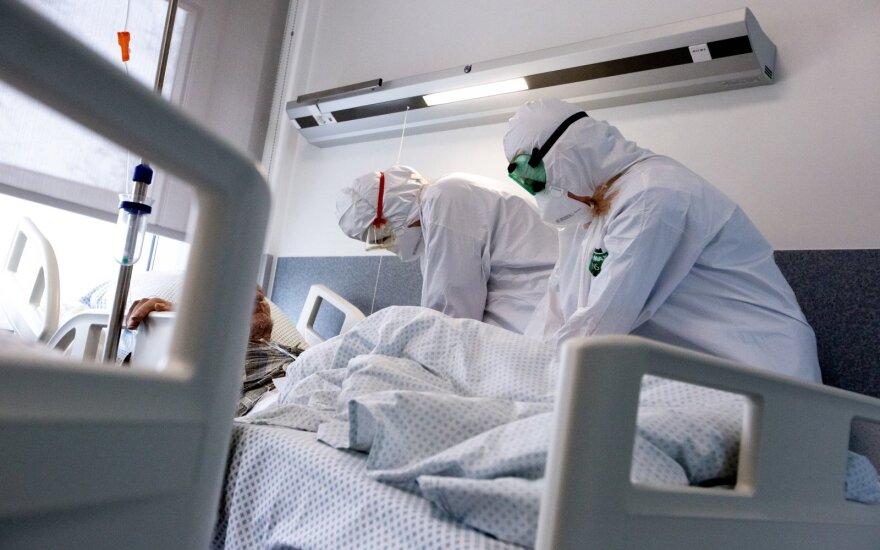 За минувшие сутки в Литве установлено 1983 новых случая коронавируса, 17 человек скончались