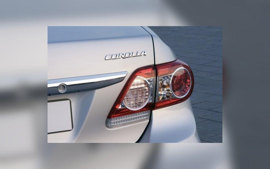 Cамые популярные в России - Toyota Corolla и Ford Focus