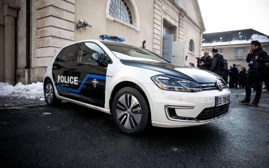 Во Франции автомобиль въехал в толпу людей