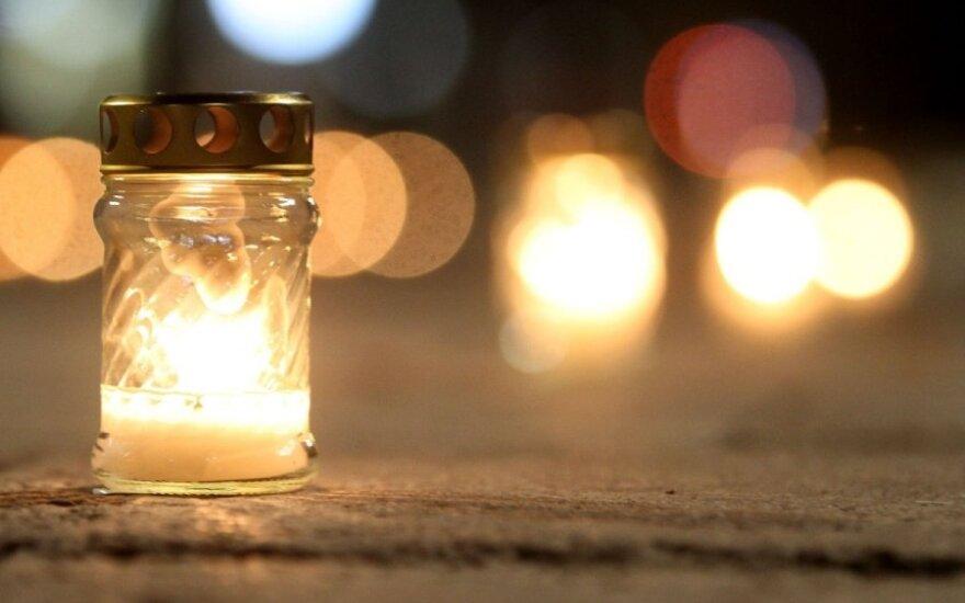 """Žvakučių akcija """"Sielų upė"""""""