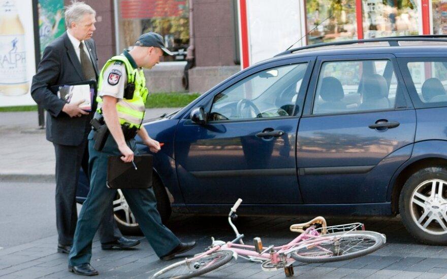 Парламентарий Купчинскас на преходе сбил велосипедистку
