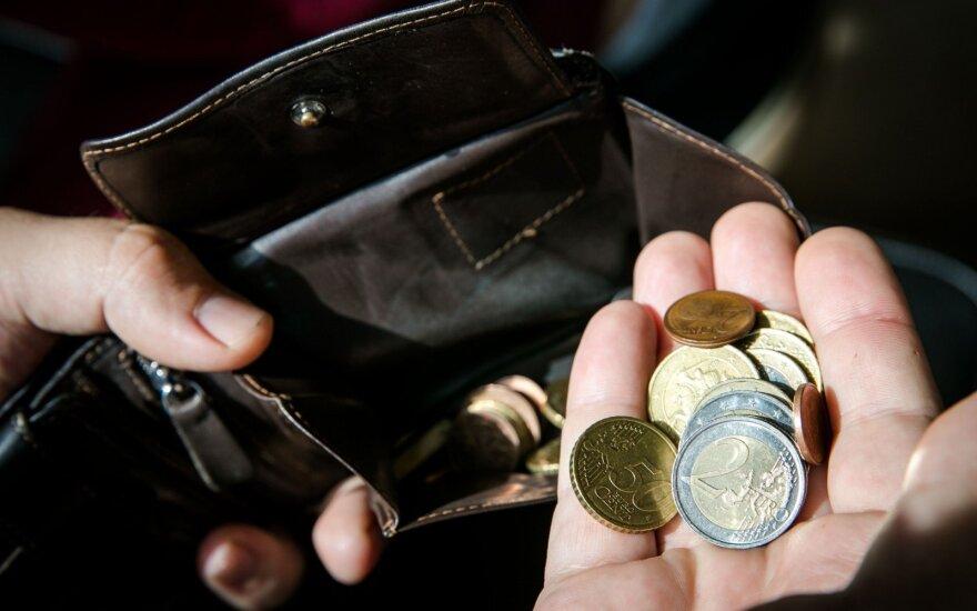 Каждый девятый житель Литвы в прошлом году находился за чертой бедности