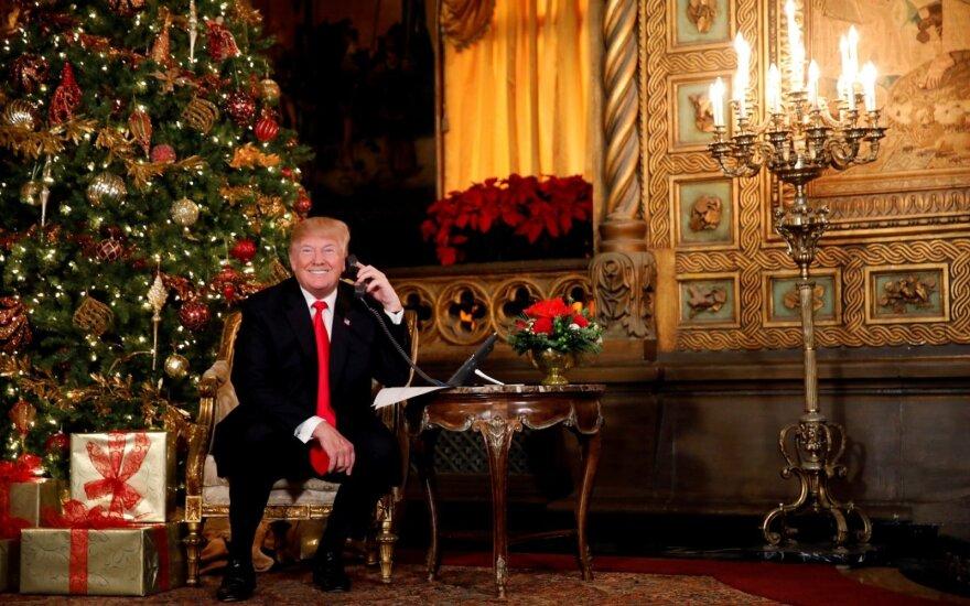 Donaldas Trumpas atsako į kalėdinius vaikų skambučius
