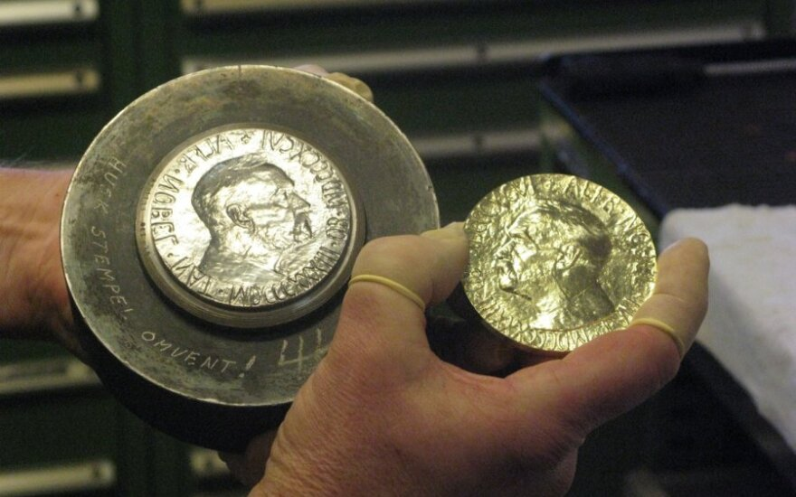 Nobelio taikos premijos medalis ir jo štampas