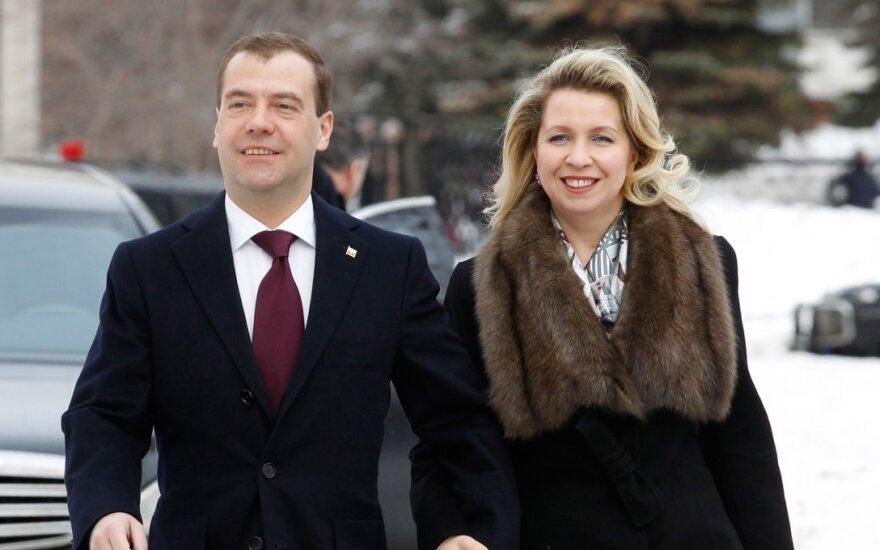 Навальный нашел у жены Медведева самолет за 50 млн долларов