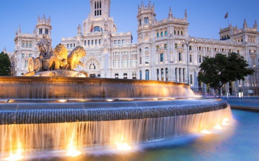 Пенсионерам в Испании официально разрешили работать