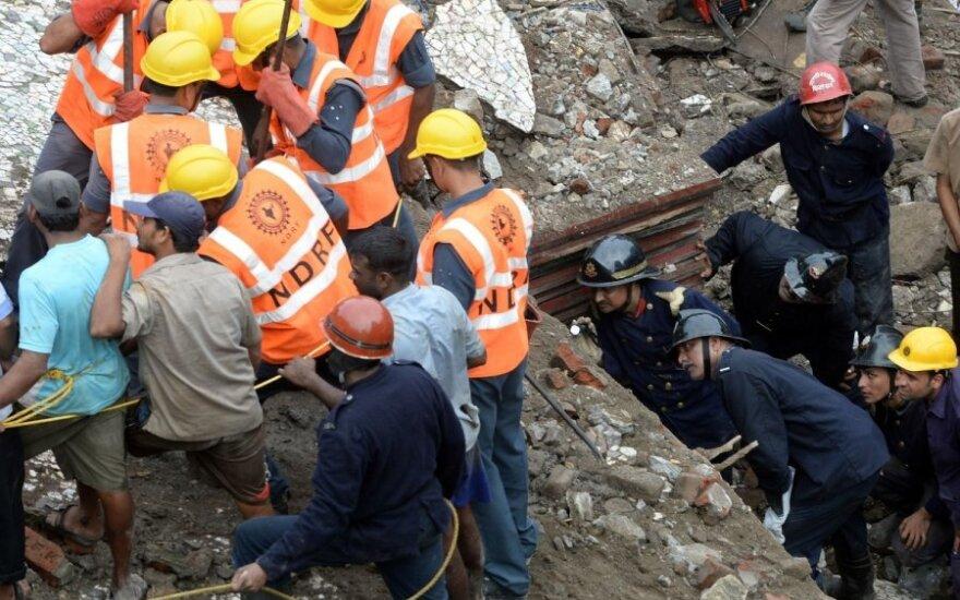 Жертвами обрушения здания в Мумбаи стали шесть человек