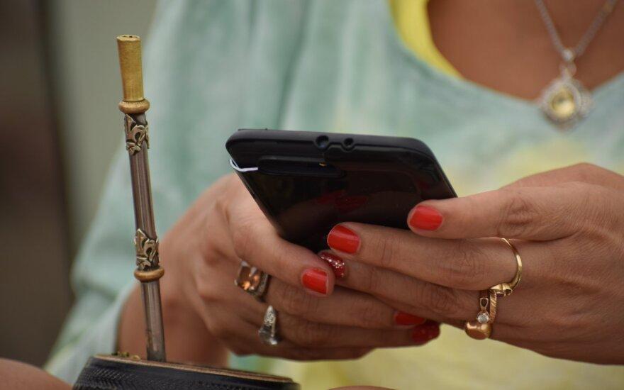 Kaip laikote mobilųjį?