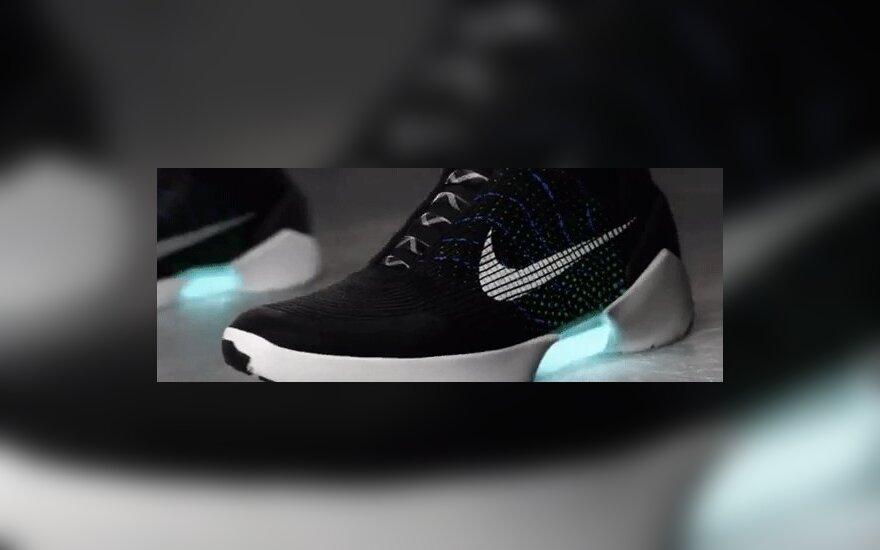 Nike представила самозашнуровывающиеся кроссовки